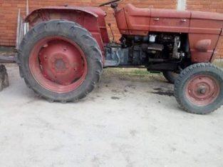 Traktor UNIVERZAL na prodaju