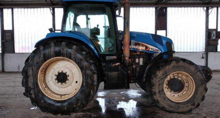 Prodajem Traktor NEW HOLLAND TG285