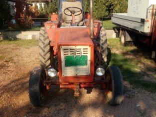 Polovan traktor
