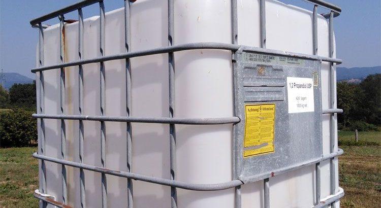 Prodajem cisternu za vodu od 1000 litara